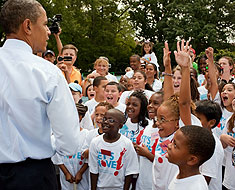 Image: President Obama and Kendall Students