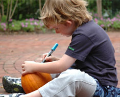 Image: Decorating pumpkins